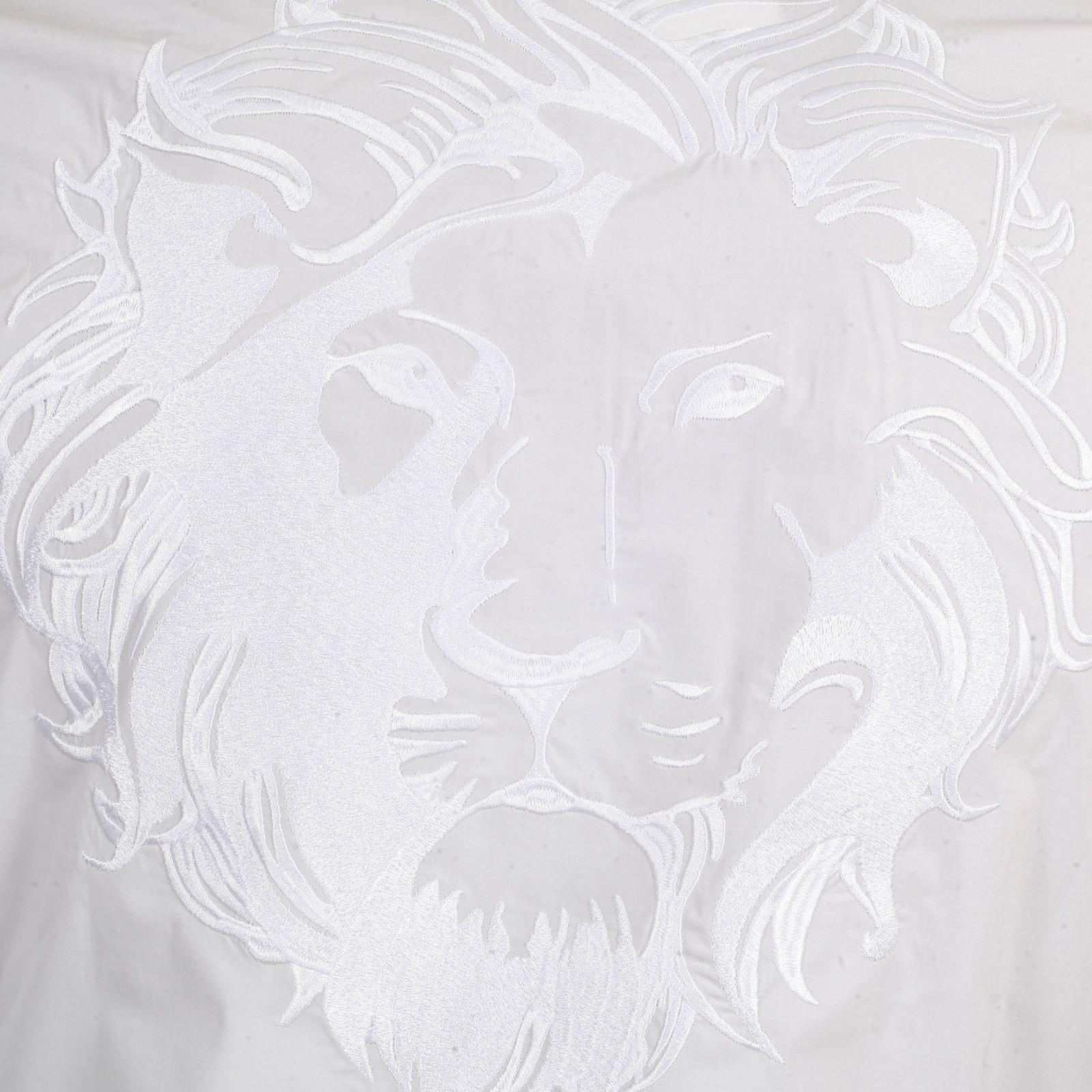 Soft Collar Embroidered Lion Head On Back Slimmer Fit